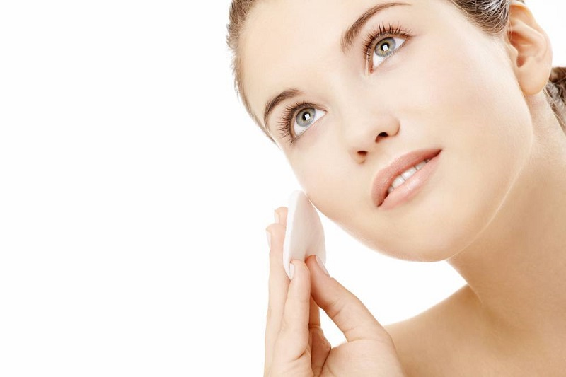 Apply-Sunscreen for skin care
