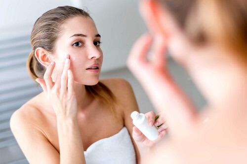 light moisturizer for glowing skin