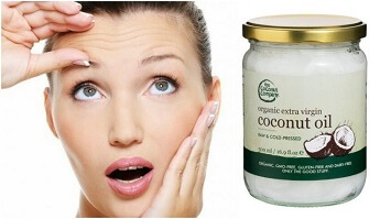moisturize skin with coconut oil